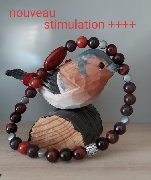 Bracelet en pierres naturelles stimulant l'énergie masculine.