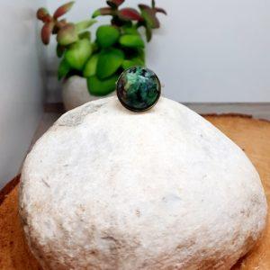 Bague en pierres naturelles.